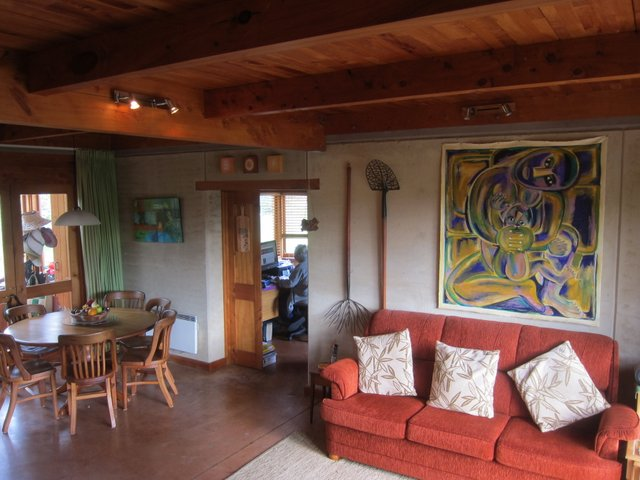 3. Lounge-dining room